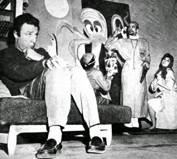 OĞUZ TOPOĞLU : bana çiçek yollama münir özkul, suna selen, gürdal onur, saadettin erbil, senih orkan, ruhan kumru 1962 ses dergisi türk tiyatro sanatçıları bulvar tiyatrosu bakırköy