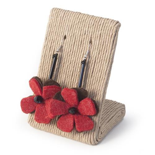 ORECCHINI GINEVRA ROSSO MARRONE  -  Orecchini in metallo anallergico con tubolare nero e pendente in lana cotta a forma di fiore.