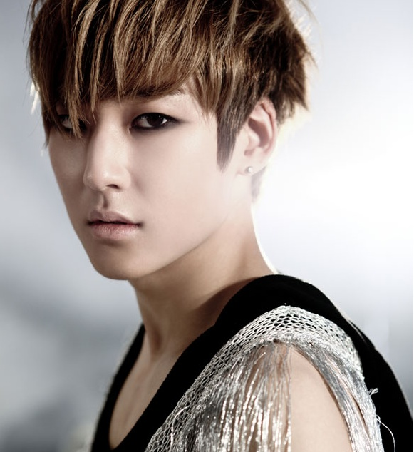 Kevin (U-KISS) He is H...