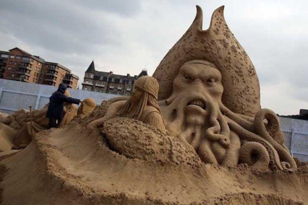 Homokszobrok / Sand sculptures Forrás/source: Westonsandsculptures