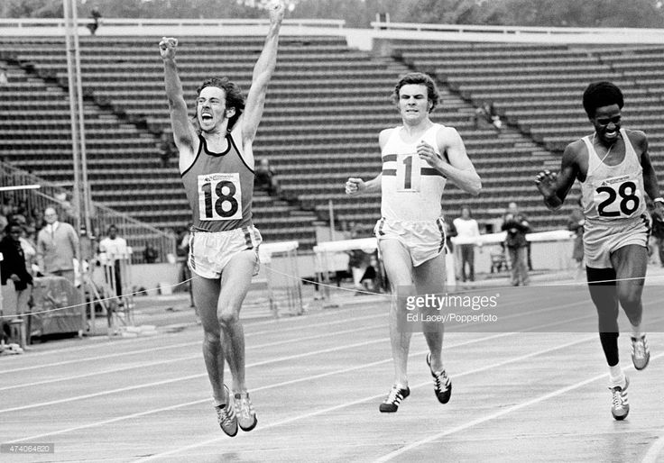 steve-ovett-of-great-britain-winning-the-mens-800-metres-final-from-picture-id474064620 (1024×716)