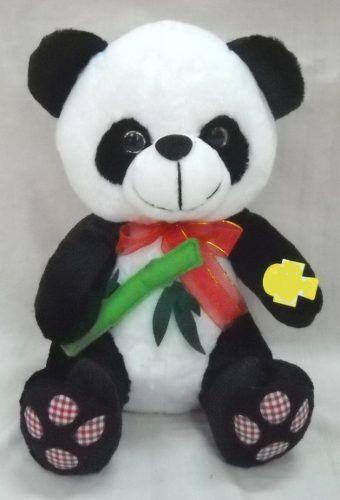 Boneka Panda Putih Hitam Animal Cute Bring Food 35 Cm  Kode Barang: 520024PPH  Harga: Rp. 62.000-  Buruan order melalui Toko Online BBM WhatsApp Line SMS Social Media Marketplace Email dsb (Caranya bisa dibaca pada halaman cara belanja).