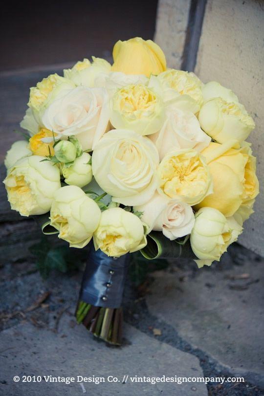 Niagara Wedding Florist // Yellow Bride's Bouquet