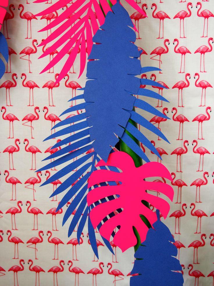 Découpage de feuilles pour décoration tropicale #tropical #anniversaire #fete…