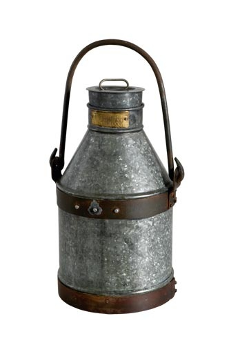 ¿Qué te parece esta lechera antigua de zinc? #Affari #estilonordico #zinc