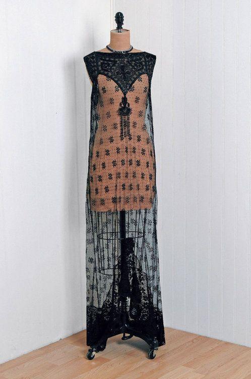 omgthatdress:    Dress  early 1920s  Timeless Vixen Vintage