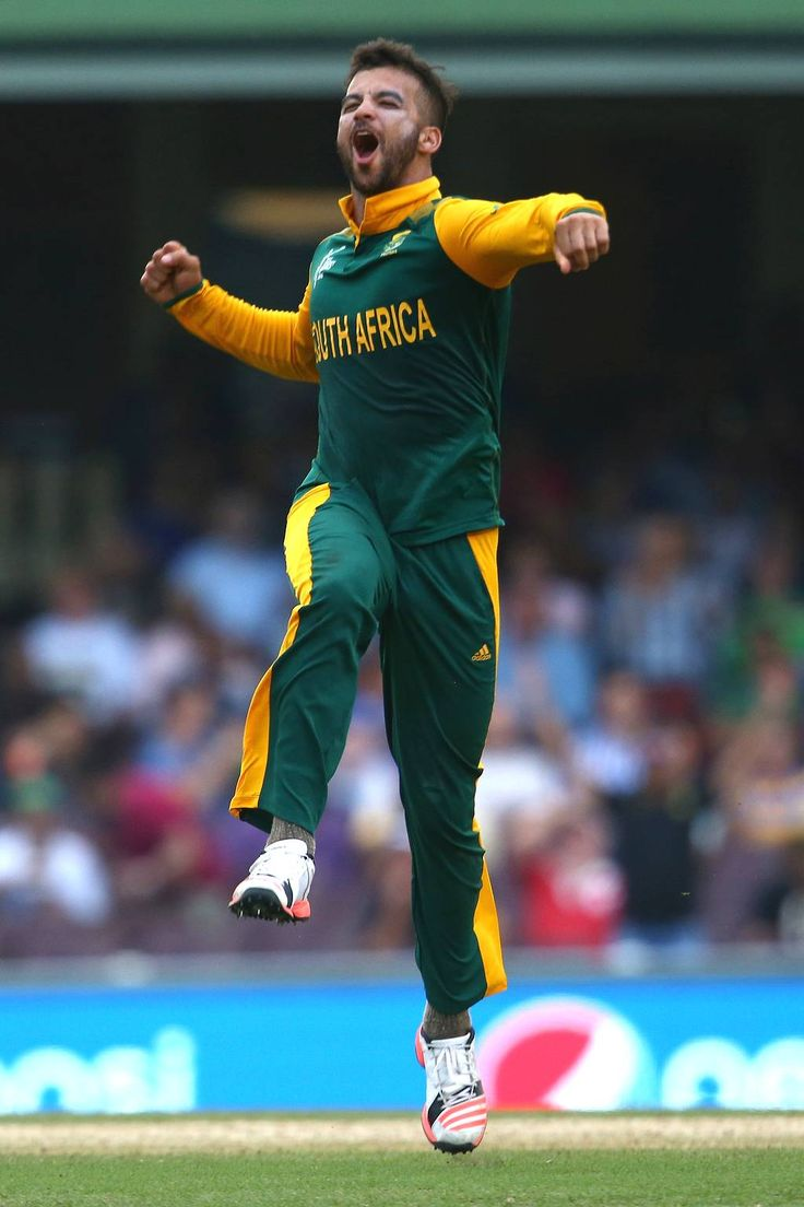 JP Duminy of South Africa celebrates taking the wicket of Tharindu Kaushal of Sri Lanka during the 2015 ICC Cricket World Cup match between South Africa and Sri Lanka at Sydney Cricket Ground on March 18, 2015 in Sydney, Australia.