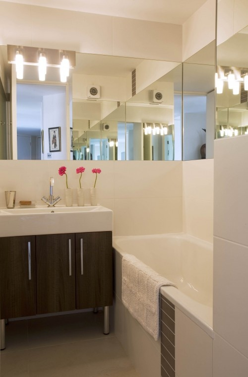25 Best Ideas About Small Bathroom Mirrors On Pinterest Bathroom Mirror Design Bathroom Cabinet With Mirror And Bathroom Mirrors