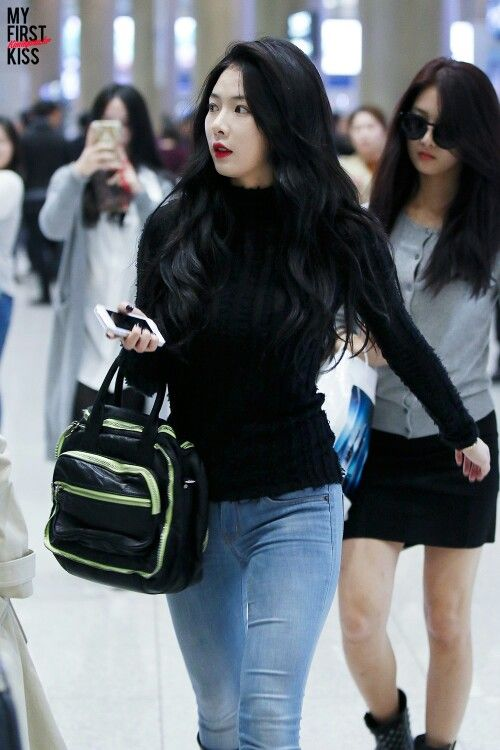 4minute Hyuna simple airport fashion