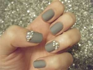 Grey Nails w/Pearl Accents