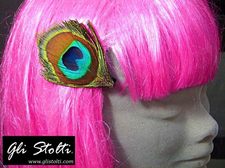 Molletta artigianale con vera piuma di pavone (da allevamento). Vai al link per tutte le info: http://glistolti.shopmania.biz/compra/molletta-con-vera-piuma-di-pavone-494 Gli Stolti Original Design. Handmade in Italy. #glistolti #moda #artigianato #madeinitaly #design #stile #roma #rome #shopping #fashion #handmade #style #hairstyle #acconciatura