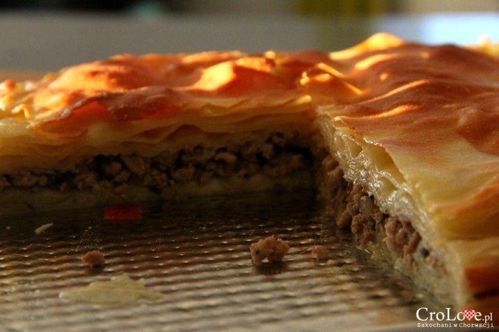 Przepis na Burek z mięsem | CroLove.pl || http://crolove.pl/przepis-na-burek-z-miesem/ || #burek #food #foodporn #croatia #chorwacja #kroatien #hrvatska