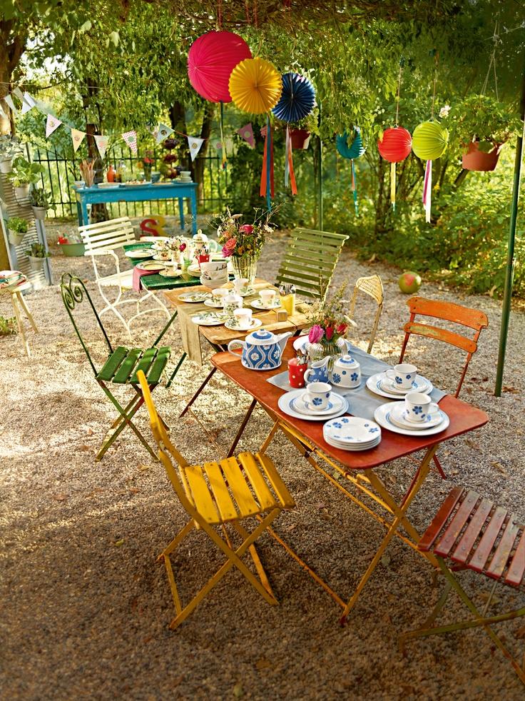 Odpolední párty s kolekcemi Farmhouse Touch Blue Flowers, Althea Nove a French Garden