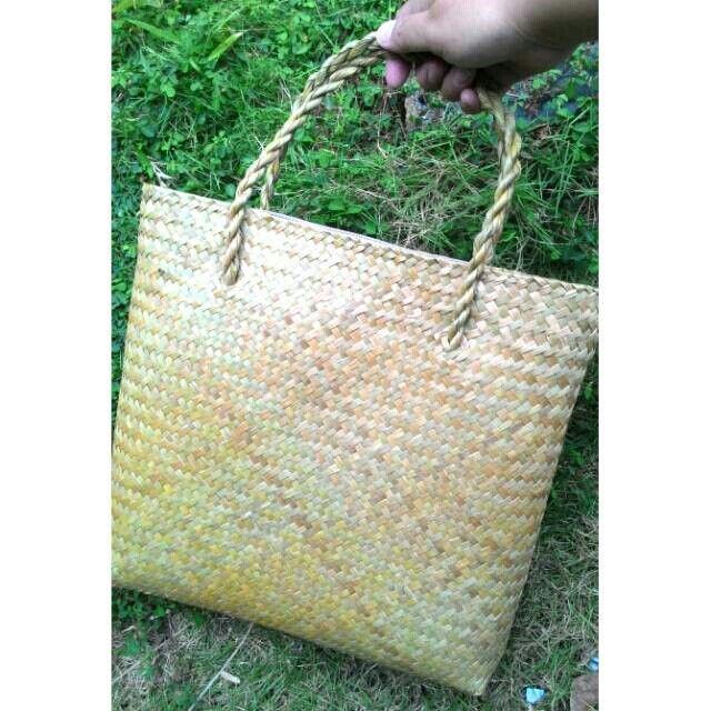 Saya menjual Tas Purun Lapis Kain Resleting seharga Rp75.000. Dapatkan produk ini hanya di Shopee! https://shopee.co.id/borneoethnic/805507301 #ShopeeID