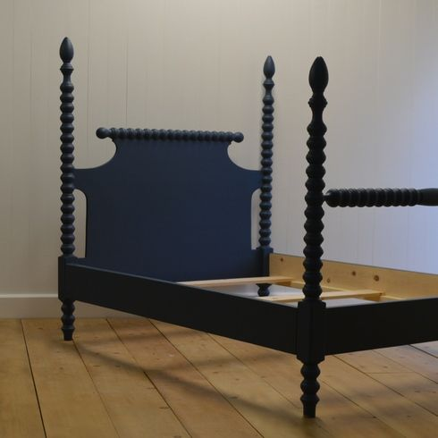 made to order in your choice of finish los angeles made in the usa spindle bedenglish - Spindle Bed