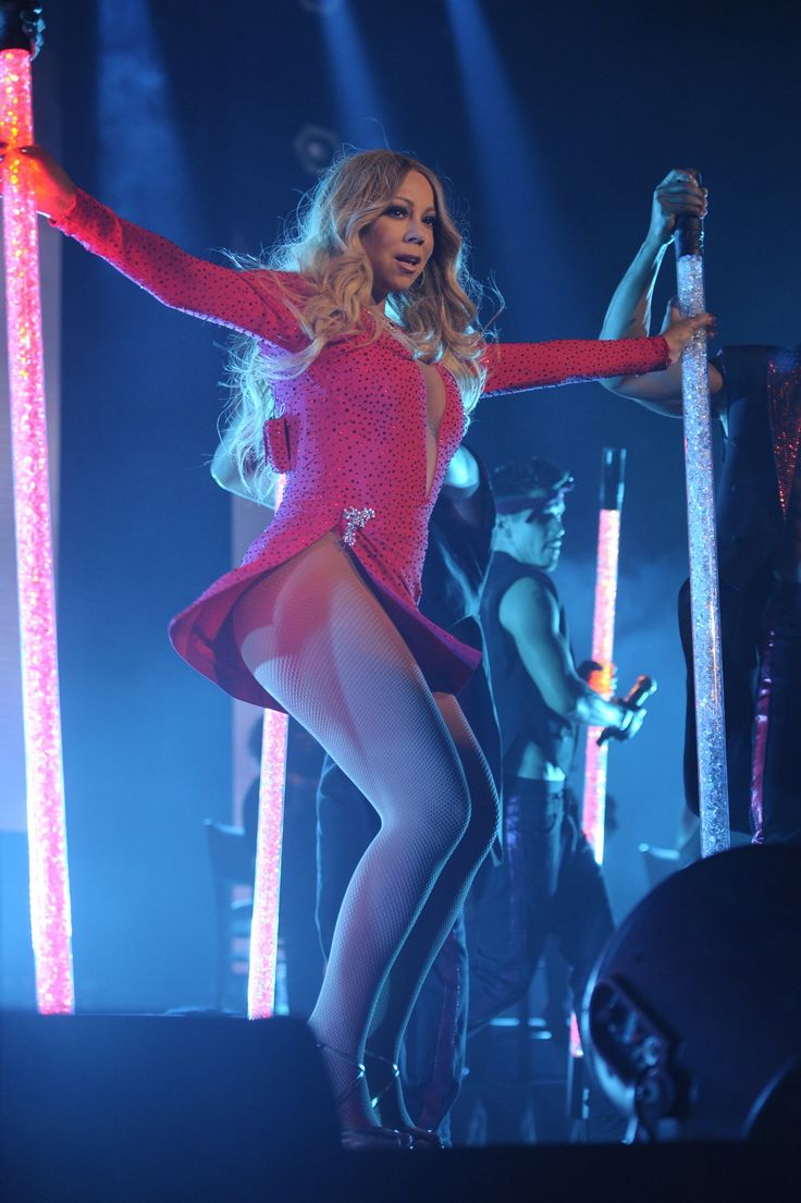 Photos: Mariah Carey performs in Mexico City during her #SweetSweetFantasyTour