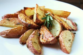 Delicious as it Looks: Roasted Rosemary Red Potatoes (Low-FODMAP)
