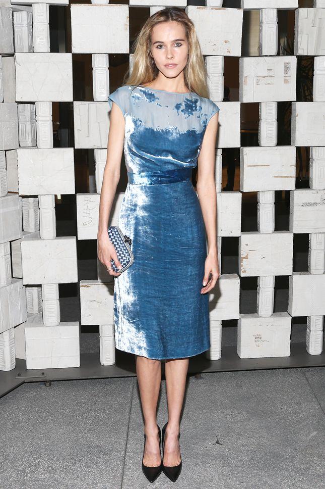 Изабель Лукас в Bottega Veneta на ужине марки в музее Hammer - мода, красота, украшения, новости, тренды, коллекции брендов одежды, обуви и аксессуаров: все новинки в онлайн-версии журнала Vogue.