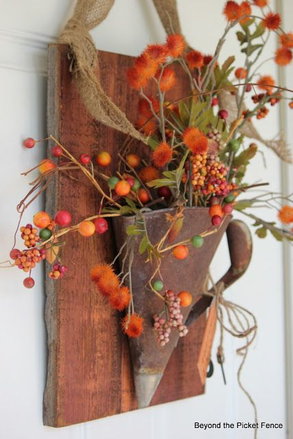 Fall door decor at Beyond The Picket Fence http://bec4-beyondthepicketfence.blogspot.com/2013/08/fall-rust.html