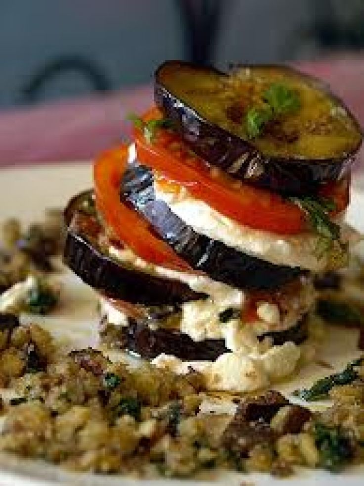Μιλφέιγ μελιτζάνας με κατσικίσιο τυρί και μανιτάρια - gourmed.gr
