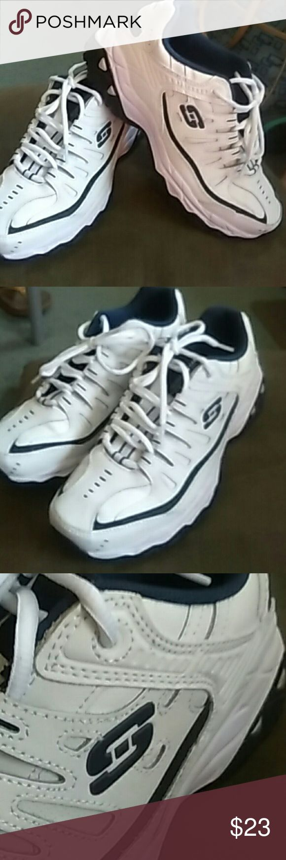 Men's Sketchers Used men's Sketchers in perfect condition worn one time. A great walking  shoe for the summer. Skechers Shoes Sneakers
