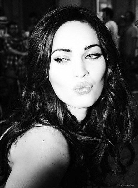 Megan Fox gyönyörű és szexi, mint mindig!
