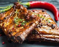 Ribs de porc grillés au barbecue