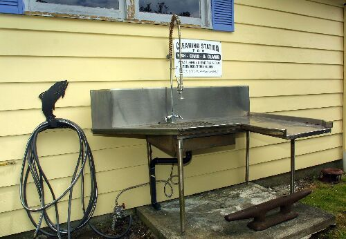 7 best images about hubby 39 s spaces on pinterest chairs for Fish cleaning table bass pro