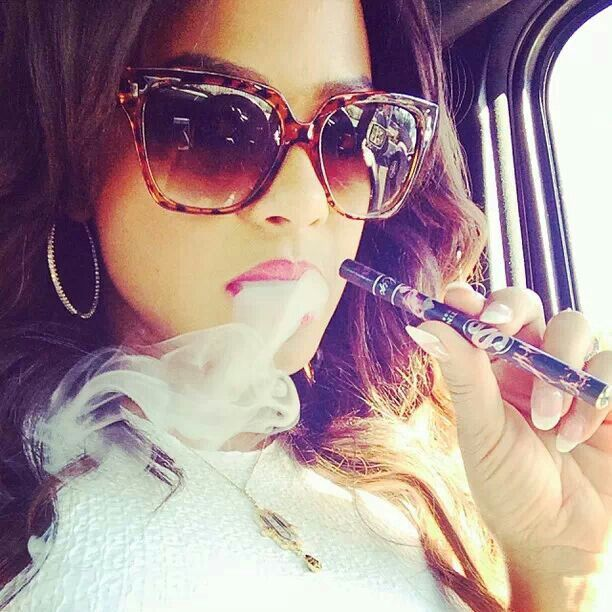 Christina Milian love her shades