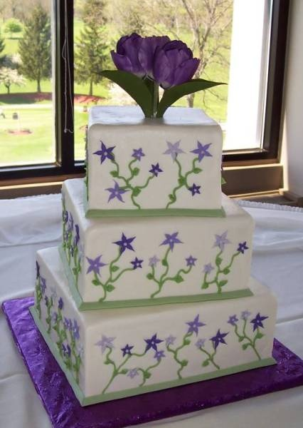 purple and white square wedding cakes 25 best ideas about green square wedding cakes on 18881