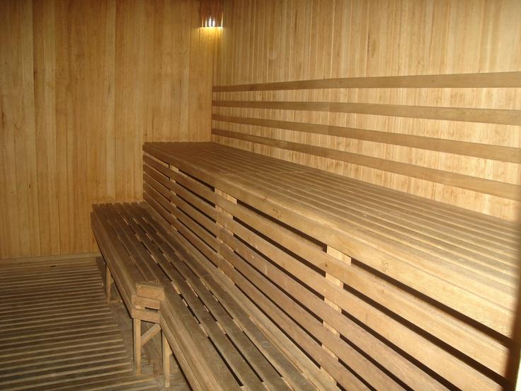 Sauna y Cuarto de Vapor, cerca de la piscina, duchas http://www.montanasuiteshotel.com/el-hotel/galeria/