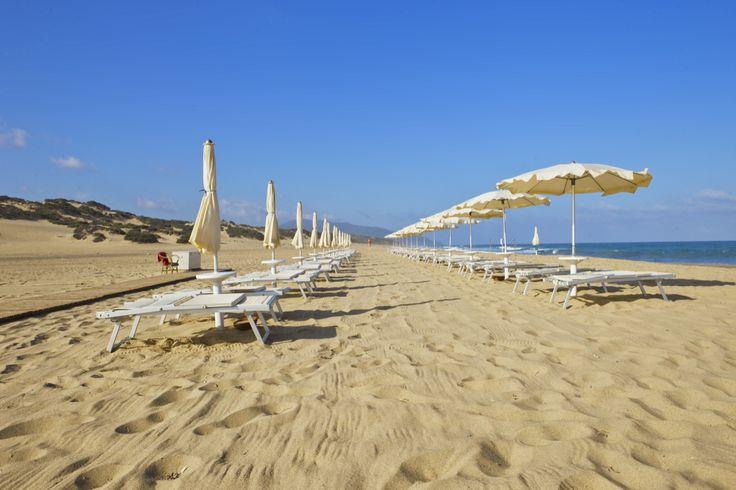 Un'intera spiaggia riservata ai nostri ospiti, servizio bar anche sotto l'ombrellone, connessione free wi-fi e mare strepitoso. Cosa aspetti? #AmaLaTuaVacanza #Sardegna #LeDunePiscinas  An entire beach reserved for our guests, bar service also under the umbrella, free wi-fi connection and amazing sea. What are you waiting for? #LoveYourHoliday #Sardinia #LeDunePiscinas  www.ledunepiscinas.com