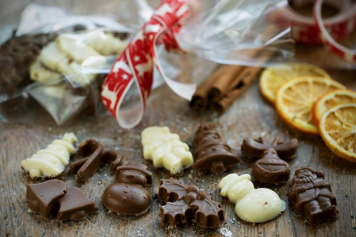 Christmas Chocolate Granola Gifts...    - Perfect for adult stocking fillers or to hang from the Christmas tree.   - All homemade and fil...