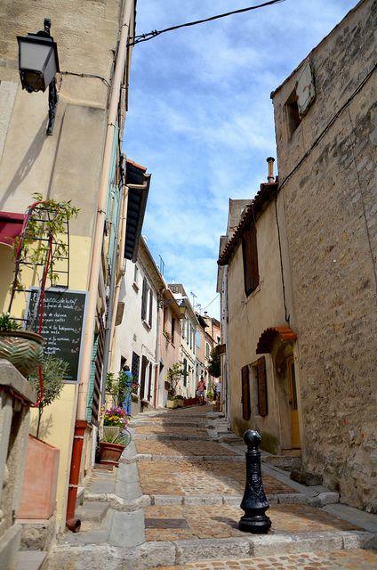 Rue d'Arles   Flickr - Photo Sharing!