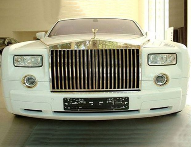 Luxe Cars: The Rolls-Royce Phantom Solid Gold has a $ 8.2 million price tag