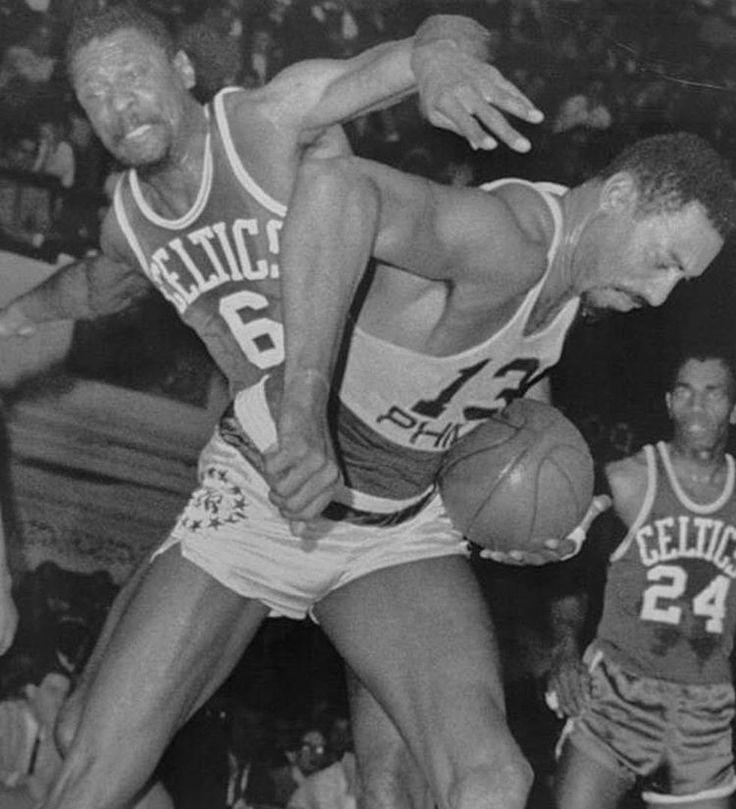#legendsregram @rare_sports A battle of titans. Bill Russell vs Wilt Chamberlain http://ift.tt/2rHGaQl