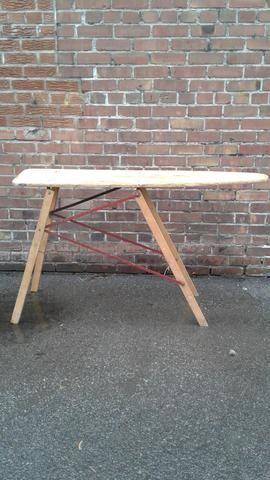 Planche à repasser en bois