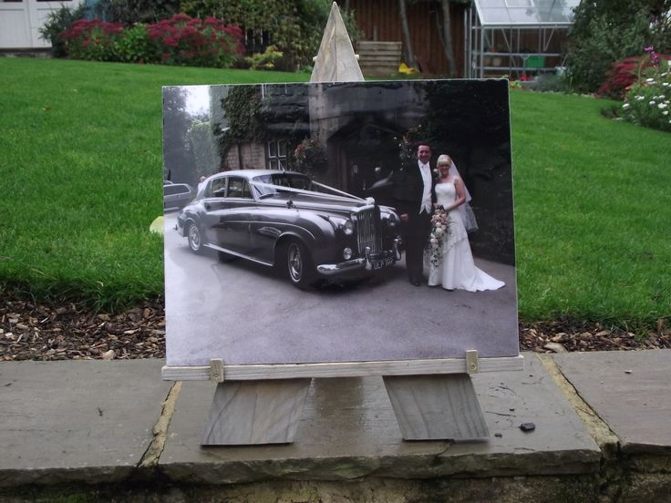 Our first wedding car plaque, an old bentley accompanied by the happy couple, if you're into wedding photography and want to offer your happy couples something different, do contact me and let's talk.