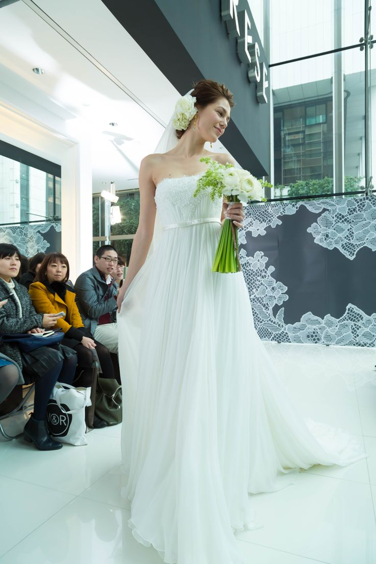 #wedding #weddingdress #dress #dressshop #white #collectionshow #Tokyo #ginza #NOVARESE #結婚式 #ウエディング #ウエディングドレス #ドレス #ドレスショップ #ホワイト #白 #コレクションショー #ランウェイショー #東京 #銀座 #ノバレーゼ #SEPTEMBER