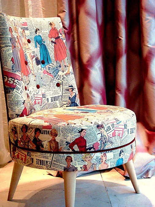 I WANT THIS CHAIR.......(or...at least 6 yards of this material ) !