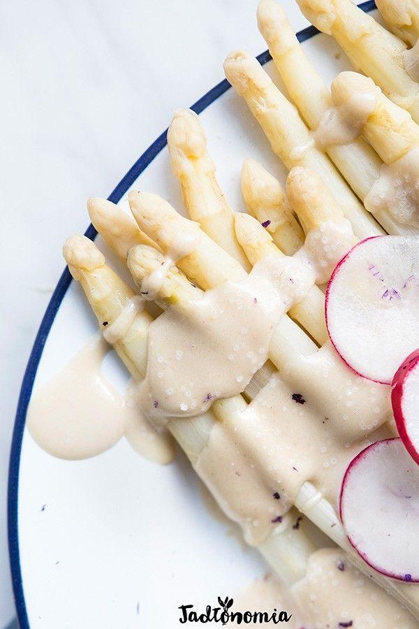 Szparagi w sosie jabłkowym » Jadłonomia · wegańskie przepisy nie tylko dla wegan