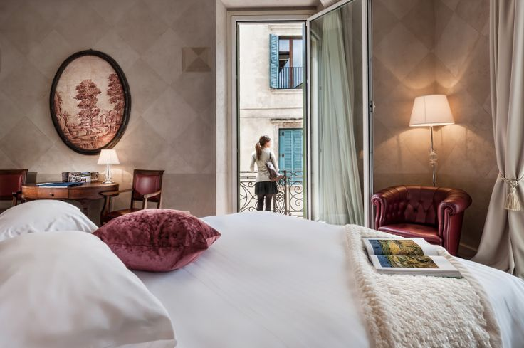 Ready for a day around Verona? Get a good night sleep at our Victoria Suite and start your week full of energy!  #verona #palazzovictoria #luxuryhotel #thepreferredlife