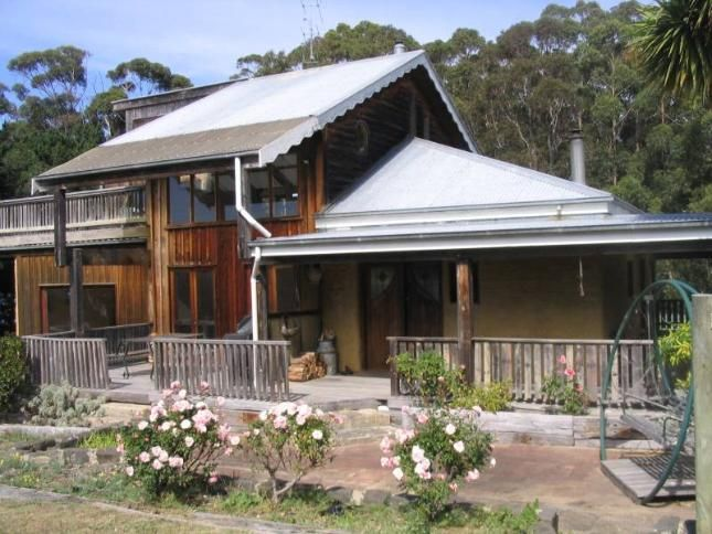 650 Great Ocean Road, Elliot River, Walshan House   Apollo Bay, VIC   Accommodation