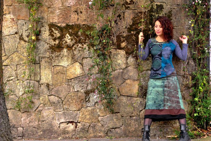 Buso y falda pintado a mano en 100% algodón con la técnica del batik. Diseños exclusivos!!!