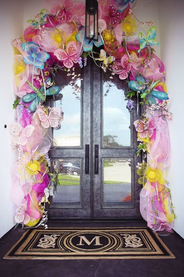 Welcoming Front Door Decorations at Londyn's Lemonade Stand Birthday Party-Southern Belle's Charm