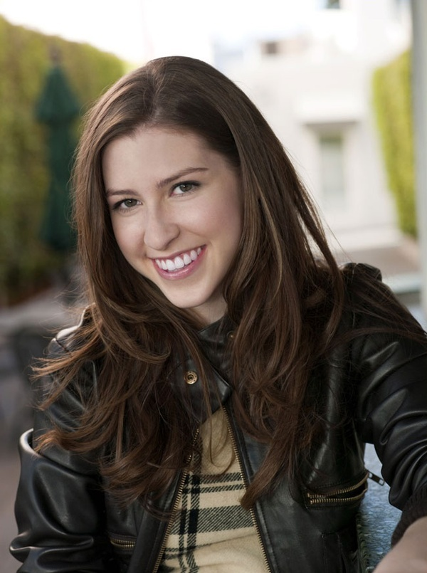 Eden Sher aka Sue Heck from the TV show The Middle. She is really 20! . No. That can't b her.  Just... No.