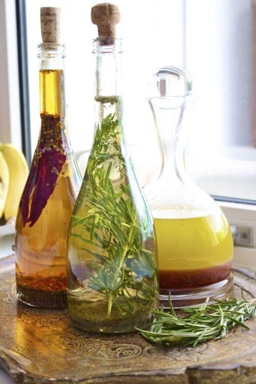 Olio aromatizzato al rosmarino, al peperoncino....