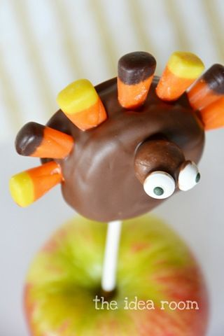 Thanksgiving Turkey Treats—Oreo Pops - The Idea Room