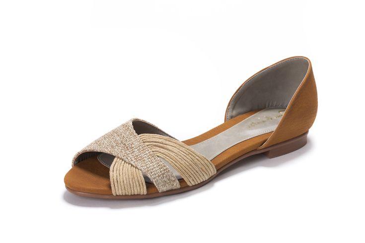 Beige Sandalen zonder leer van Chevaliers des Pieds, ecologische en veganistische schoenen met stijl. Vegan fashion en Eco Fashion zonder schuldgevoelens.