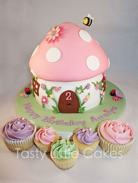 Toadstool cake & cupcakes - I can see this one being used for an almost 5 yr old....